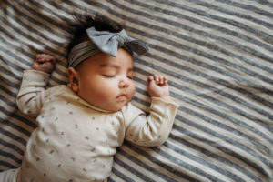 Lifestyle Newborn photo session in home, baby