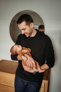 Colorado Newborn Photographer, baby and dad